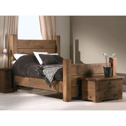 Кровать из дерева 010
