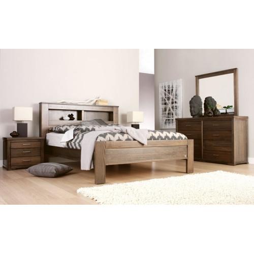 Кровать из дерева 011